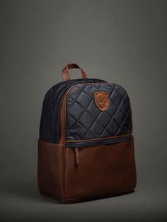 The Spring/Summer 2020 Massimo Dutti clothing, accessories and shoe collection for women and men; Brown Leather Backpack, Leather Luggage, Leather Bag, Estilo Navy, Waterproof Laptop Backpack, Clear Tote Bags, Stylish Backpacks, Nylon Bag, Casual Bags