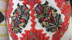 Буковина, фрагмент рукава Folk Embroidery, Women's Fashion, Traditional, Architecture, Blouse, Clothing, Shirts, Style, Arquitetura