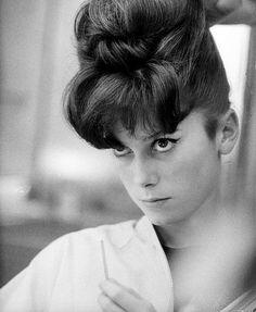 Catherine Deneuve 1962  Le beehive