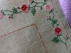 This Pin was discovered by sıd Cross Stitch Love, Cross Stitch Borders, Cross Stitch Flowers, Cross Stitch Designs, Cross Stitching, Cross Stitch Embroidery, Cross Stitch Patterns, Hand Embroidery Videos, Embroidery Patterns