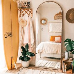 Minimalist bedroom decor ideas are for those who love to live a simple but elegant life. If you are a … bedroom 35 amazing minimalist bedroom decor ideas 738942251343684671 Industrial Bedroom Design, Design Bedroom, Industrial Style, Industrial Office, Room Ideas Bedroom, Bedroom Decor Boho, Bedroom Inspo, Mirror For Bedroom, Beachy Room Decor