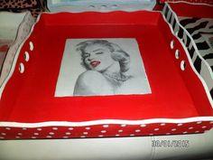 Resultado de imagen para pintar bandejas de desayuno Frame, Home Decor, Boxes, Breakfast Tray, Pictures To Paint, Trays, Picture Frame, Decoration Home, Room Decor