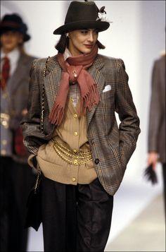 Ines de la Fressange, mannequin aux défilés Chanel   Vogue