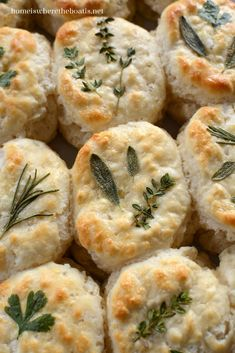 Herb-Laminated Biscuits! Dress up your bread basket, from frozen to fancy in 30 minutes! | ©homeiswheretheboatis.net #bread #recipe Sage Recipes, Herb Recipes, Baking Recipes, Healthy Recipes, Lavender Recipes, Pumpkin Recipes, Bread Recipes, Dinner Recipes, Herb Bread