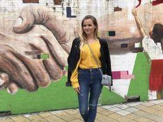 Bogota - Kolumbien - Kofferkinder - Reisepodcast Podcast über Website itunes, spotify & youtube Madrid, Itunes, Fur Coat, Youtube, Fashion, Bogota Colombia, Drug Cartel, Waterproof Backpack, Suitcase