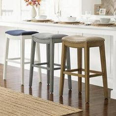 Brown Bar Stools, Leather Bar Stools, Bar Counter, Counter Stools, Nordic Interior, Mold And Mildew, New Kitchen, Kitchen Ideas, Painted Furniture