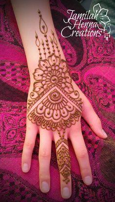 booth babe henna  www.jamilahhennacreations.com