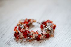 Carneol gemstone crystal bracelet - feminine, trendy, beautiful and powerful Crystal Bracelets, Carnelian, Perfume, Gemstones, Crystals, Trending Outfits, Unique Jewelry, Handmade Gifts, Earrings