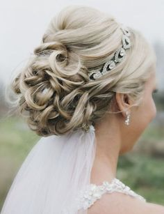 28 Latest and Modern Bridal Hairstyles | Styles At Life