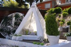 Chill Out Tent . Ambientes – Exterior . Showroom Piramidal