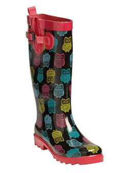 I LOVE when it rains because it's so fun to wear these Owl rainboots :)