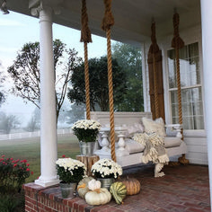 The right front porch design can surely add lots of appeal and extra outdoor living space. To help you design your porch, we have front porch ideas to inspire. Farmhouse Porch Swings, Farmhouse Front Porches, Farmhouse Landscaping, Front Porch Swings, Porch Bed, Porch Chairs, Southern Porches, Lounge Chairs, Rustic Farmhouse