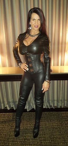 Leather High Heel Boots, Leather Pants, Leather Dresses, Sexy Outfits, Fashion Outfits, Womens Fashion, Sexy Older Women, Sexy Women, Leder Outfits