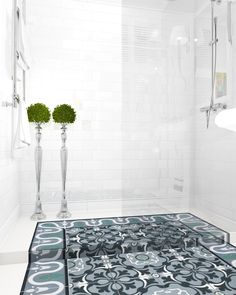Magda Piekarska, Shower/ Barcelona tiles