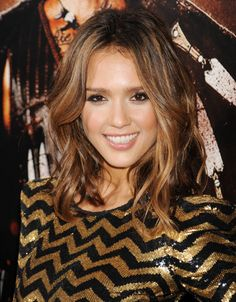 Brown Hair With Blonde Highlights | Dip-dye- Jessica Alba with dark brown hair and blonde tips