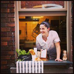 crème glacée par la fenêtre de la ruelle, tout l'été! Creme, Coast, Instagram, Canada, Places, Counter Top, Lugares