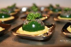Persil Aspic Filled with Sautéed Snails, on a bed of Garlic Flan (sub light yogurt for cream, grape seed oil for butter) Flan, Potato Rice, Healthy Grains, Healthy Sugar, Nut Butter, Gelatin, Fine Dining, Finger Foods, Entrees