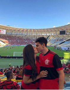 Pin by Flori Alexa on Cupluri Cute Soccer Couples, Cute Couples Goals, Boyfriend Goals Teenagers, Future Boyfriend, Soccer Relationships, Couple Goals Cuddling, Tumblr Couples, Poses Photo, Wedding Photography Poses