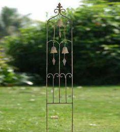 3 Bell Garden Stake