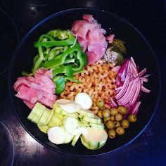 Et One pot Pasta Again ! Pots, One Pot, Cobb Salad, Kitchens, Stew, Pottery, Cookware, Jars, Saucepans
