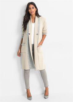 Jetzt anschauen: Dvoubarevný kabát pro mnoho příležitostí. Postavě lichotivý střih se založeným límcem a našitými kapsami. Bez uzávěru, délka zadní strany ve vel. 40/42 cca 102 cm.