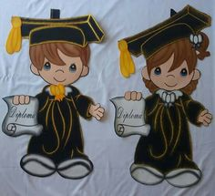 Graduation should be celebrated as the day of success, a long and challenging process. Graduation Crafts, Graduation Balloons, Graduation Day, Graduation Pictures, School Board Decoration, School Decorations, Crafts For Kids, Arts And Crafts, Paper Crafts