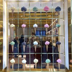🌠🌃Cool Decor Inspiration dresses for teenage,really cool diys,home made custome,how to surprise yo Shop Interior Design, Cafe Design, Ice Cream Museum, Ice Cream Business, Paper Folding Crafts, Gelato Shop, Ice Cream Design, Frozen Yogurt Shop, Cream Walls