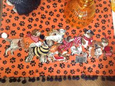Dogs do tricks for treats ! Halloween 2016, Scary Halloween, Goblin, Tablescapes, Tea Party, Texas, Dogs, Table Scapes, Pet Dogs
