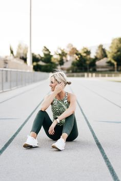 Trendy Fitness Outfits : 5 Tips to Master Your Workout Motivation Game Fit Girl Motivation, Fitness Motivation Pictures, Training Motivation, Workout Motivation, Fitness Pictures Women, Hiit, Fitness Photoshoot, Workout Pictures, Workout Aesthetic
