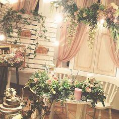 昨日の二次会での高砂スペース。 アーティフィシャフラワーを贅沢に使い、スタッフみんなで製作しました♪  #inov#levent#wedding#weddingparty#ウエディング#ウエディングパーティー#フォトウエディング#前撮り#前写し#afterweddingparty#二次会#アーティフィシャルフラワー #花嫁#プレ花嫁#WS#高砂#ディスプレイ
