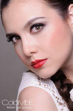 #Maquillaje #Social - #Editorial por alumna Ruth Organista. Telégono: 36-27-48-46 #redlips #labiosrojos