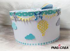 Boutique Magicrea Disponible ici : http://www.alittlemarket.com/boites-coffrets/fr_urne_de_bapteme_personnalisee_theme_montgolfiere_-20746861.html