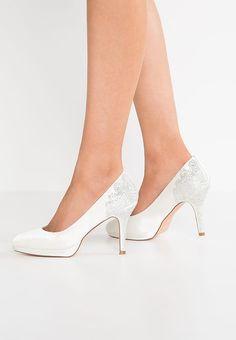 Chaussures Menbur ZULEMA - Chaussures de mariée - ivory blanc cassé: 120,00 € chez Zalando (au 12/04/17). Livraison et retours gratuits et service client gratuit au 0800 915 207.