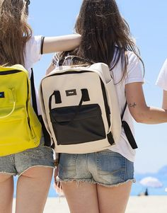mochila beige-4 Beige, Sports, Tops, Fashion, Shopping, Backpacks, Hs Sports, Moda, Fashion Styles