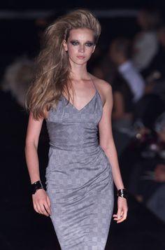 Gai Mattiolo at Milan Fashion Week Spring 2001 - Runway Photos