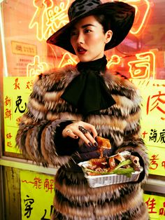 Liu Wen is the epitome of elegance and sometimes extravagance is Christiane Arp's editorial 'Peking Lady', lensed by Alexi Lubomirski for Vogue Germany's August issue. Liu Wen, Fashion Shoot, Fashion Art, Editorial Fashion, Fur Fashion, Fashion Boards, Fashion Pics, Trendy Fashion, Vogue