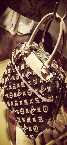 #LouisVuitton #luxurydotcom