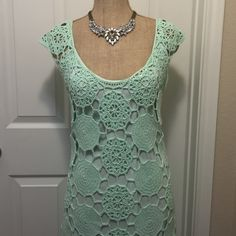 NWT Gianni Bini Mint Crochet Dress Brand new with tag, size Large. Comes with slip lining. Perfect for Easter/Spring! Please ask for measurements if you are unsure of fit! Gianni Bini Dresses