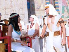 José declara seu amor a Azenate, mas é rejeitado pela amada http://r7.com/d77H