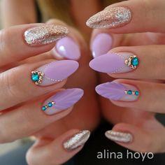 いいね!580件、コメント7件 ― Alina Hoyo Nail Artistさん(@alinahoyonailartist)のInstagramアカウント: 「#alinahoyonailartist#jetset#nailart#nails #nailartmagazine #prettynails #nailtime…」 Nail Art Rhinestones, Rhinestone Nails, Beautiful Nail Designs, Cute Nail Designs, Glue On Nails, My Nails, Nails For Kids, Modern Nails, Nail Time