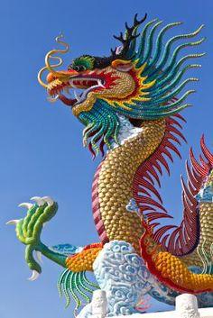 Image from http://cf.ltkcdn.net/feng-shui/images/std/154372-283x424-ChineseDragonBlueSky.jpg.