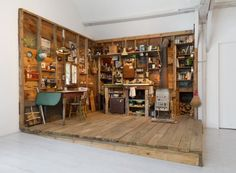 33 Insanely Smart and Creative Wooden Pallets Recycling Ideas Worth Doing usefuldiyprojects.com decor (26)