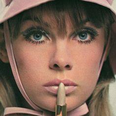 THE SWINGING SIXTIES:  Jean Shrimpton for Yardley lipstick, 1960′s.