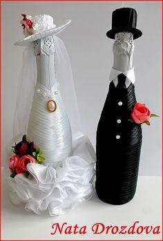 Wedding Quilling Ideas, Wedding Decorations, Blue Orange Weddings, Wine Bottle Corks, Wedding Glasses, Christmas Wine, Origami Flowers, Bottles And Jars, Fabric Manipulation