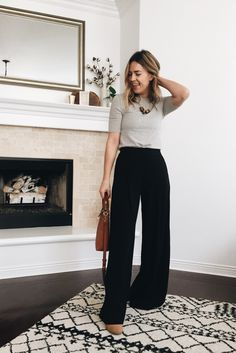 Wide Leg Trousers – Thoughts By Natalie Wide Pants Outfit, Summer Pants Outfits, Stylish Summer Outfits, Trouser Outfits, Casual Work Outfits, Business Casual Outfits, Mode Outfits, Fashion Outfits, Smart Casual Work Outfit Women