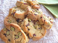 Kitchen Stori.es: Μπισκότα με Κράνμπερις και Φιστίκι