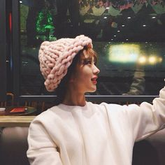 http://www.aliexpress.com/store/1687168  Hand Dyed Yarn Knitting Wool Chunky Arm Knited Hat