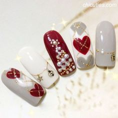Christmas is a romantic and dynamic festival, snowman and also Xmas tree are crucial aspects and the Christmas nail art can not be much less, just how should you attract the most effective and… Diy Christmas Nail Art, Xmas Nail Art, Valentine Nail Art, Holiday Nail Art, Xmas Nails, New Year's Nails, Winter Nail Art, Winter Nails, Christmas Decor