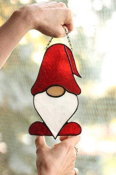 Stained Glass Ornaments, Stained Glass Birds, Stained Glass Christmas, Stained Glass Suncatchers, Stained Glass Projects, Modern Stained Glass, Custom Stained Glass, Stained Glass Designs, Stained Glass Patterns