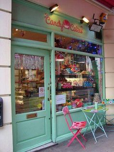Candy cakes, for marie cute stores,tea rooms quaint etc. Cute Store, Cupcake Shops, Candy Cakes, Shop Fronts, Lovely Shop, Candy Store, Covent Garden, Design Furniture, Vintage Design